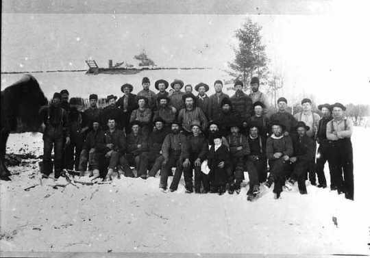 Lumberjacks employed by Swedish immigrant John Ogren