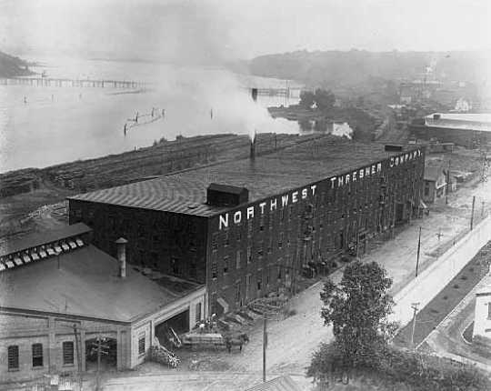 Black and white photograph of the Northwest Thresher Company, Stillwater, 1907. Photograph by John Runk Jr.