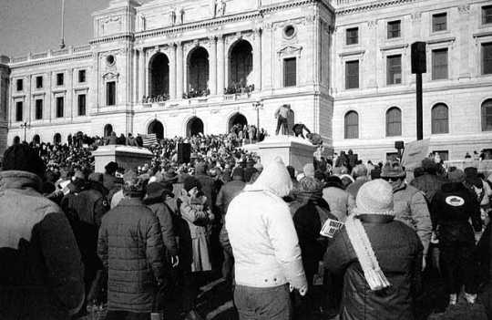 Farmers demonstrating at the State Capitol