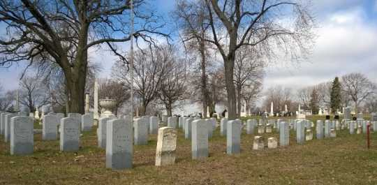 Image of Soldiers' Rest plot at Oakland Cemetery, 2014.