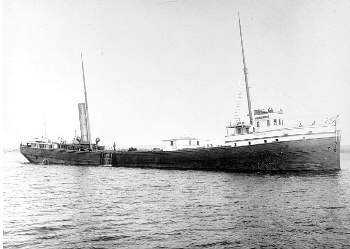 Black and white photograph of the Hesper, c.1900.