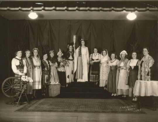 Black and white photograph of Participants in a patriotic pageant held at Temple Israel in Minneapolis, c.1939.