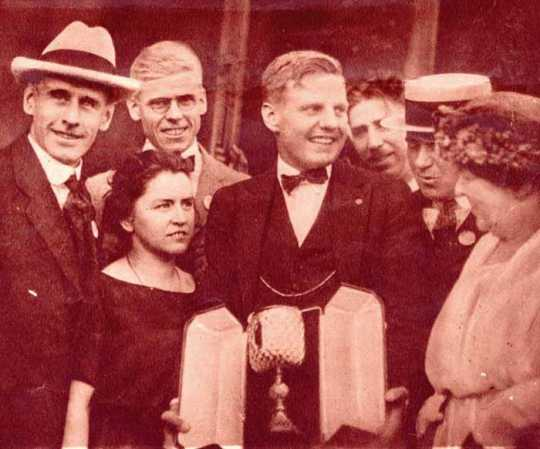 Walter Hoover's homecoming in Duluth after the Henley Royal Regatta