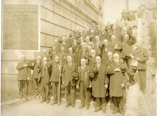 Forty-two Civil War Union Army veterans, probably in Duluth, May 31, 1915. Albert Woolson is number forty-one in the picture. He is in the last row, second from the far right. Used with permission from the St. Louis County Historical Society, University of Minnesota of Duluth Archives, Duluth.