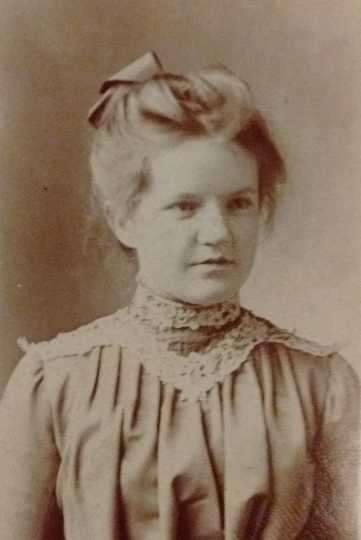 Black and white photograph of Frances E. Andrews, ca. 1900.