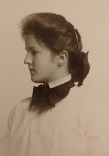 Black and white photograph of Frances E. Andrews, 1903.