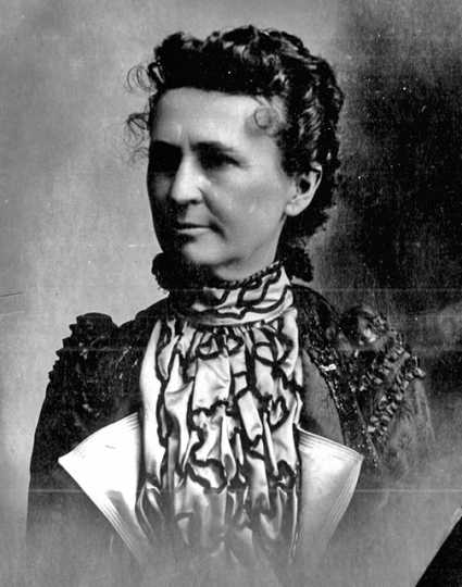 Black and white photograph of Anna Sheerin Lowe, ca. 1895–1900.