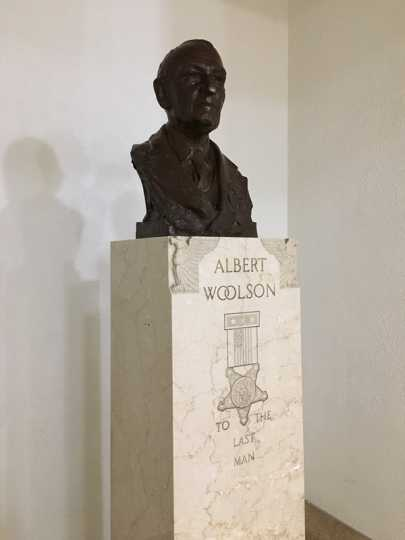 Bust of Albert Woolson in Duluth City Hall