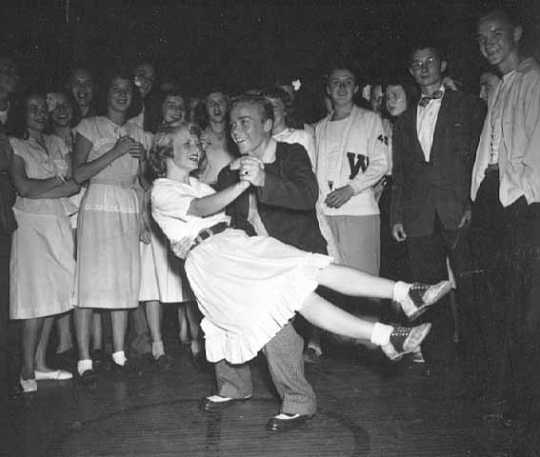 Dance contest, Minneapolis Aquatennial, 1947