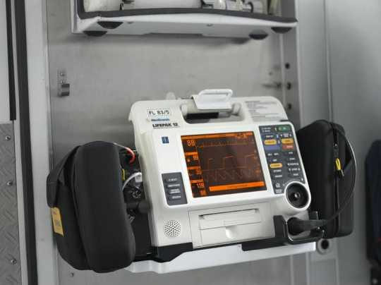 Color image of a Lifepak 12 defibrillator manufactured by Medtronic. Photographed on June 12, 2006.