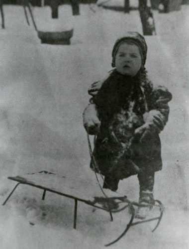 Black and white photograph of Dorothy Molter as a toddler, Arnold, Pennsylvania, ca. 1909.