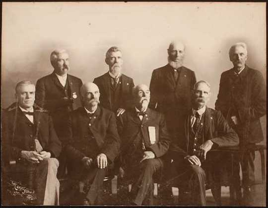 Photograph of members of the Fifth Minnesota in 1896