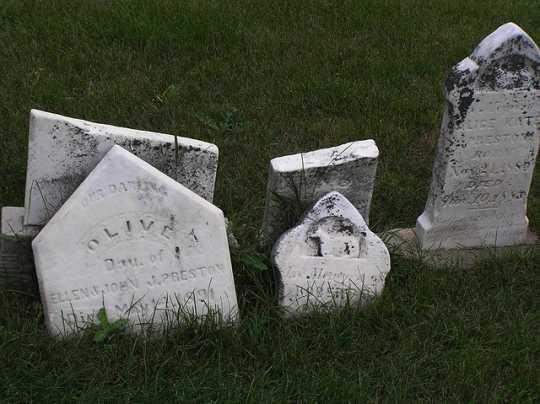 Tombstones in Prairie Home Cemetery