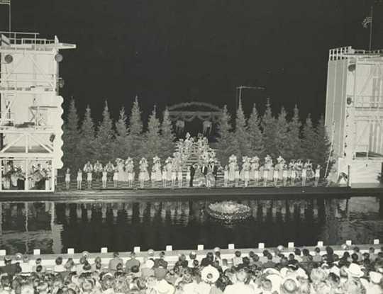 Minneapolis Aquatennial Aqua Follies, 1955