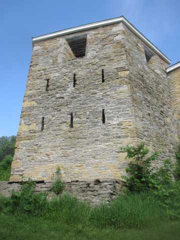 Color image of the Fort Snelling Hexagonal Tower, 2016. Photograph by Paul Nelson.