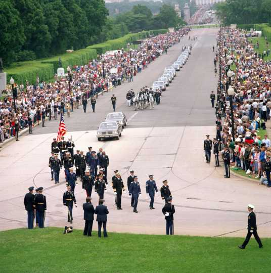 Funeral procession for the Unknown Serviceman of the Vietnam Era