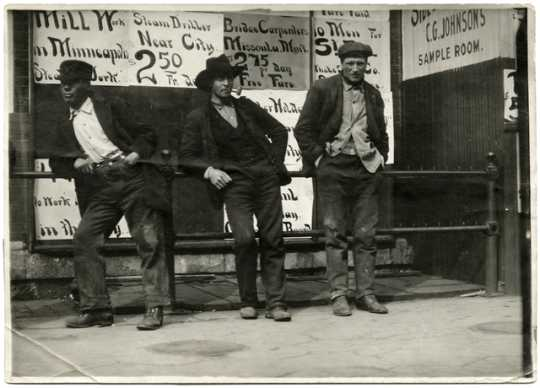Laborers standing outside the Employment Bureau, 1908