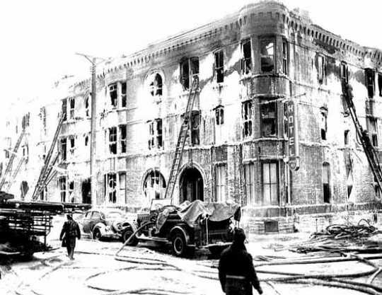 Photograph of the Marlborough Apartment Hotel fire, Minneapolis