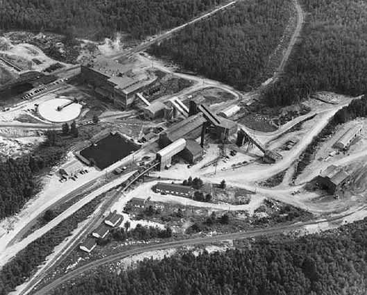 aerial photograph of Mesabi Iron Company plant