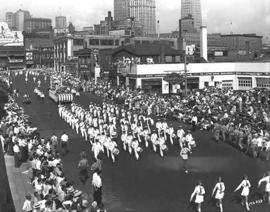 """On To Victory"" Aquatennial Parade, 1942"