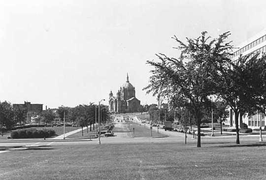 John Ireland Boulevard, St. Paul