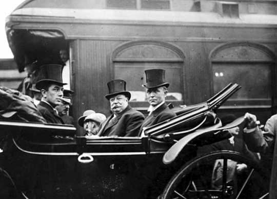 President William Howard Taft in an automobile with Governor Adolph O. Eberhart