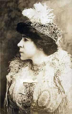 Amanda Lyles (Mrs. Thomas H.)