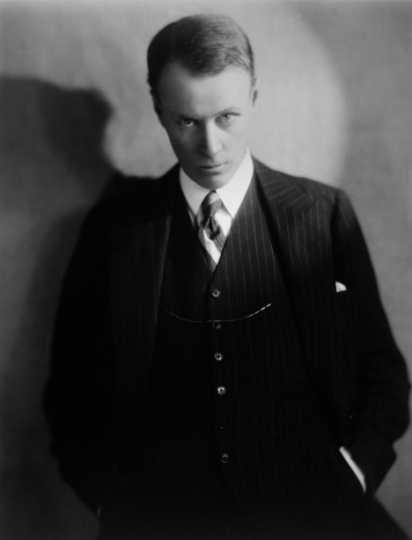 Black and white photograph of Sinclair Lewis, ca. 1915.