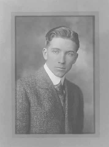 Black and white portrait of Floyd B. Olson, c.1915