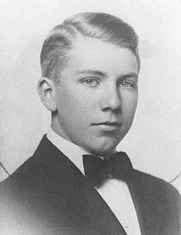 Black and white portrait of Floyd B. Olson, c.1909