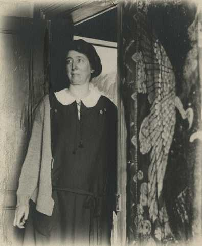 Black and white photograph of artist and Nimbus Club regular Clara Mairs, c.1925.