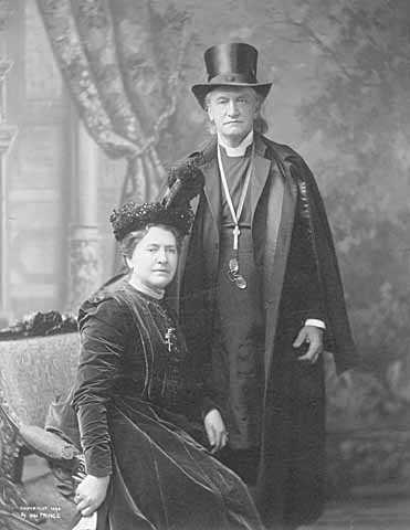 Black and white photograph of Bishop Henry B. Whipple and Evangeline Mars Simpson Whipple, 1898.