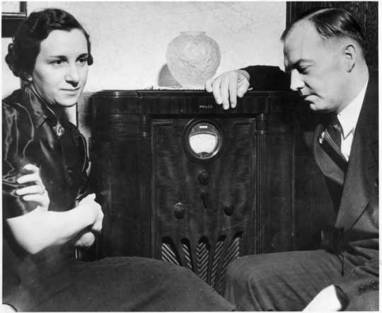 Black and white photograph of Harold Stassen and his wife, Esther Glewwe Stassen, c. 1939.