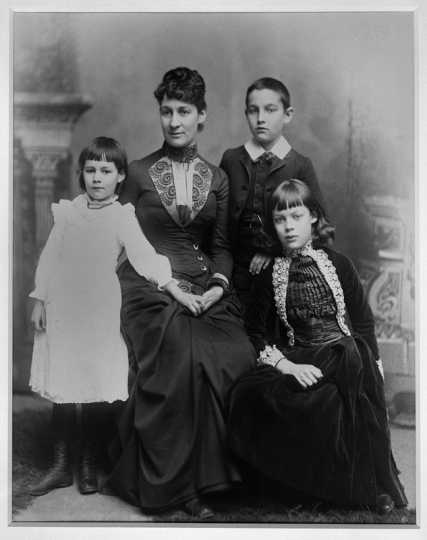 Photograph of Marion Ramsey Furness and her children
