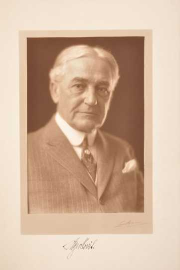 Photograph of Judge Page Morris