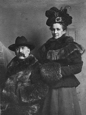 Black and white photograph of Alfred Merritt, and his wife Jane, c.1900.