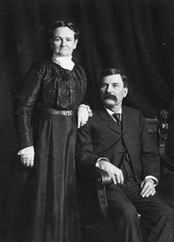 Black and white photograph of Leonidas and Elizabeth Merritt, around the time merchantable ore was discovered on the Mesabi, c.1890.