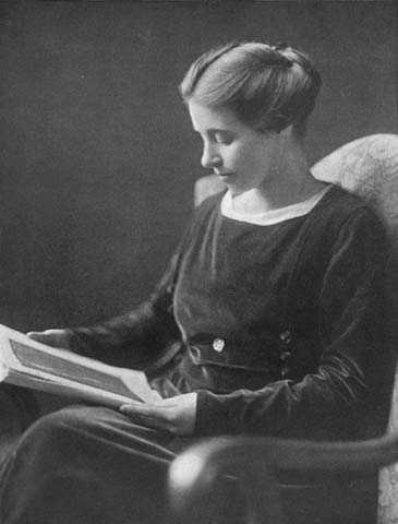 Anna Dickie Olesen, ca. 1910.
