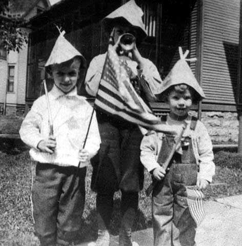 Black and white photograph of Harry Blackmun, left, on Dayton's Bluff in St. Paul, ca. 1912.
