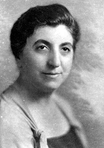 Black and white photograph of Fanny Fligelman Brin, c.1925. Photographed by Eugene G. Garrett.