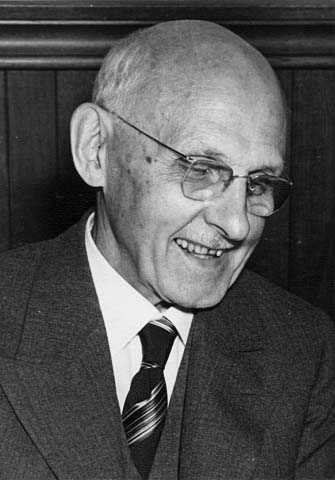 Black and white photograph of Edward Foote Waite, c.1945.