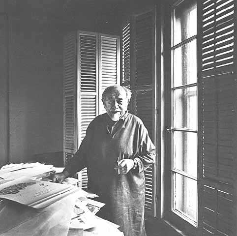 Black and white photograph of Clement Haupers in his studio, 1975.