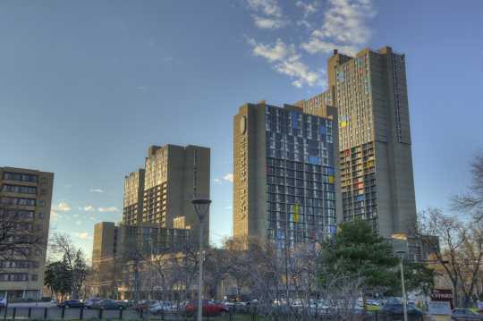 Photograph of Riverside Plaza apartment complex, Minneapolis.