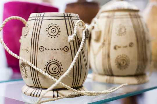Photograph of dhiil gori ah (dee-l ɡəʊ-ri ɑh or dee-l go-ri ah; wooden milk container)