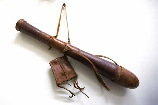 Photograph of qulux (koo-loo-x; quiver/arrow holder).