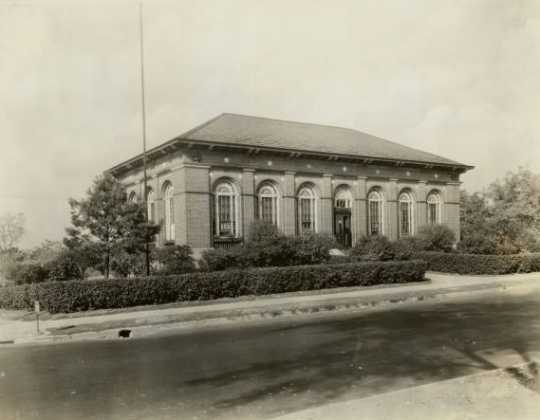 Riverview (West Side) Branch Library, St. Paul