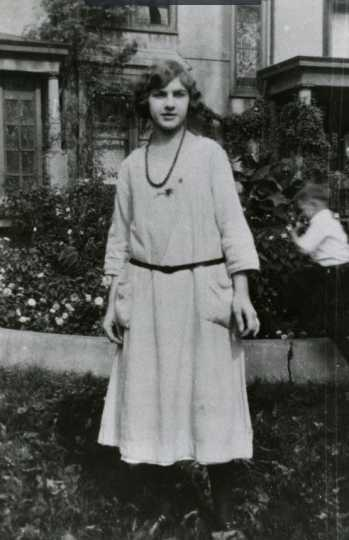 Black and white photograph of Dorothy Molter at her eighth grade graduation, Chicago, Illinois, ca. 1920.