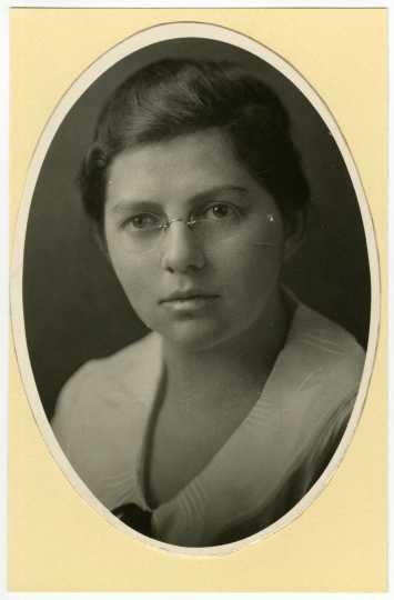 Portrait of Ruth Boynton from 1920.