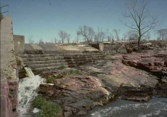 Color image of the Blue Mounds State Park, Upper Dam, ca. 1990s.